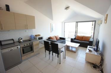 Apartman B12